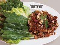 8.ご飯とタイソーセージサラダ